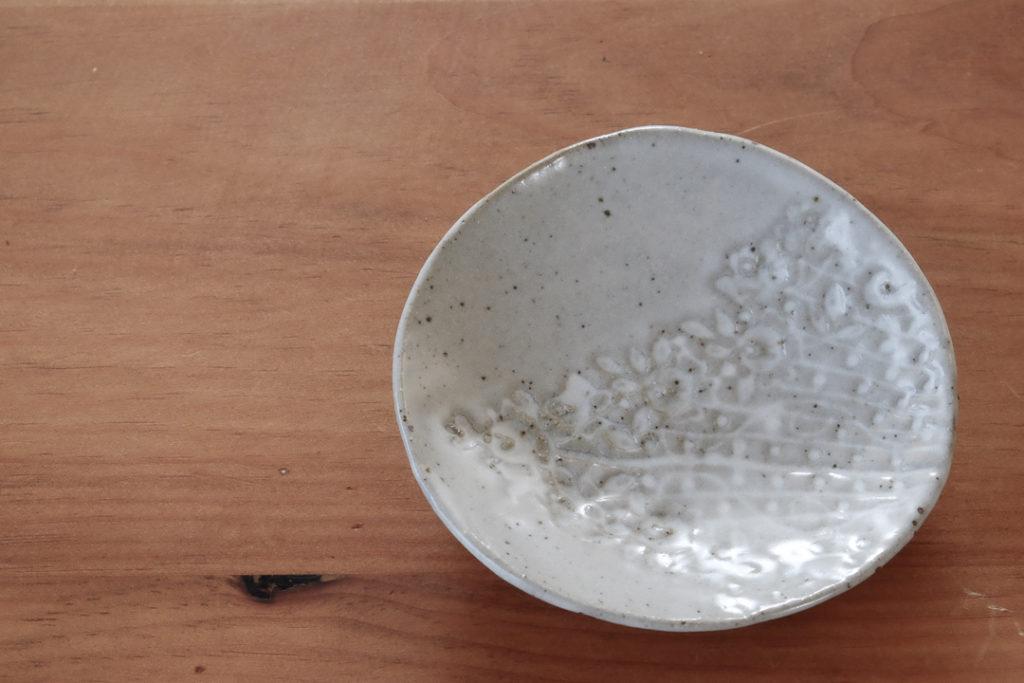 レースの小皿