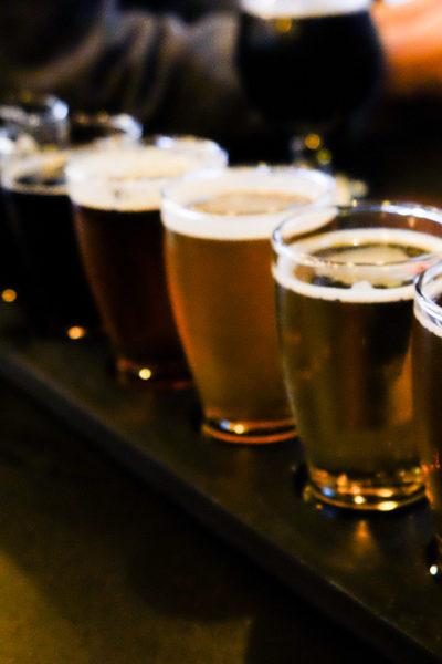 近所のマイクロブルワリーにて・ビールのティスティングと家族ごはん