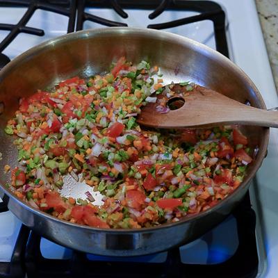 スープカレーの素で作るドライカレー・手順2