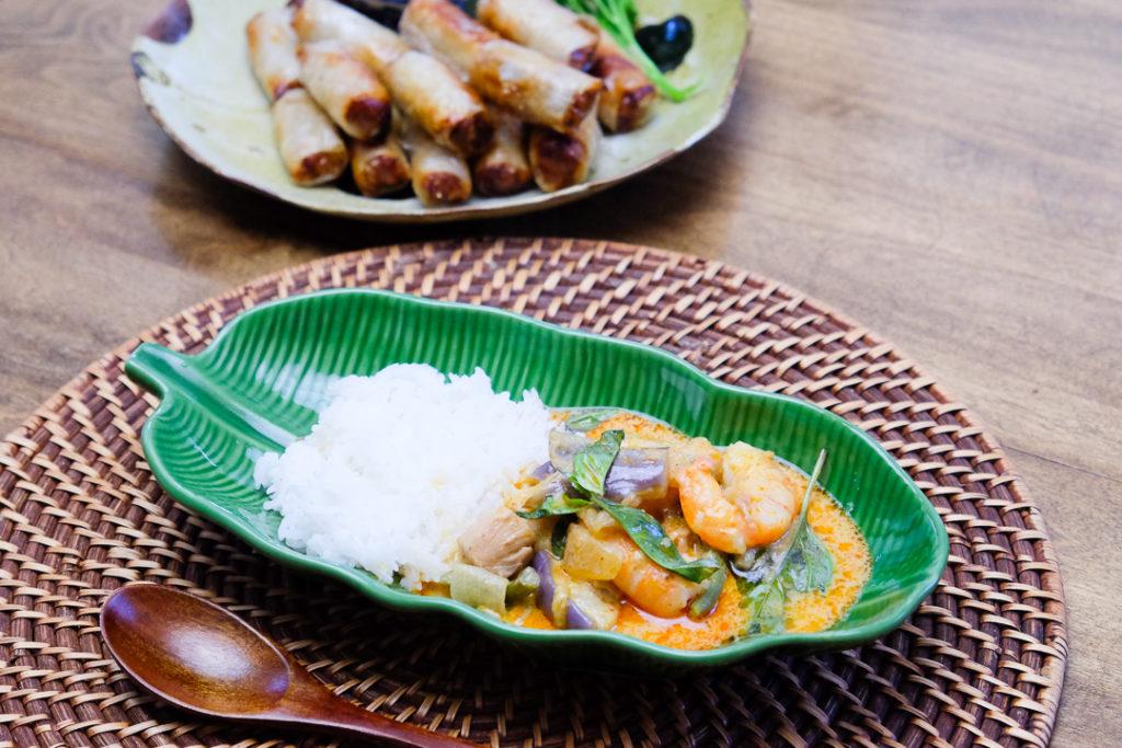パナンカレーとベトナムの春巻き