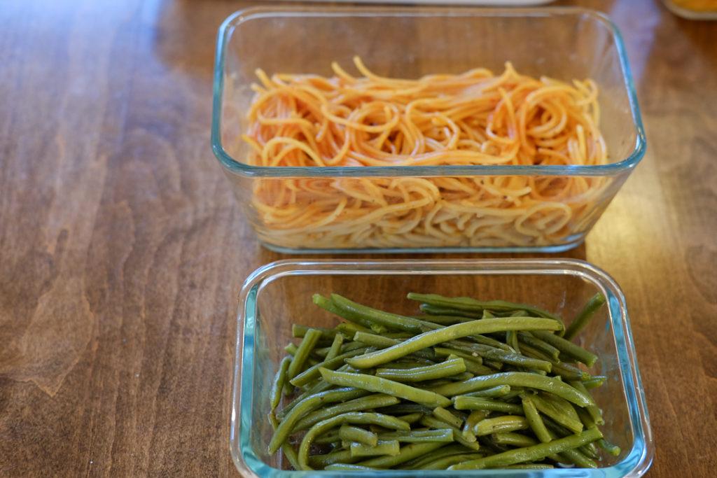 付け合わせスパゲティとくたくたインゲン