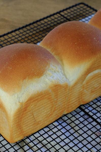 「とろける白パン」と同じ配合で、山食パンを焼いてみた♪