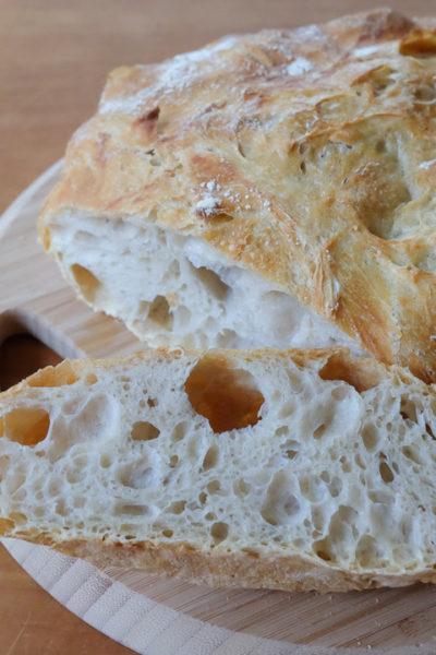 【レシピ】失敗なし!のハードブレッド。「ニューヨークタイムズ」で紹介された、こねないパン。ダッチオーブンがない場合の作り方も♪
