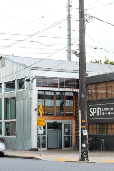 ポートランド旅行記*【Day2】 ⑦ カフェが併設された、お洒落すぎるコインランドリー《SPIN Laundry Lounge》