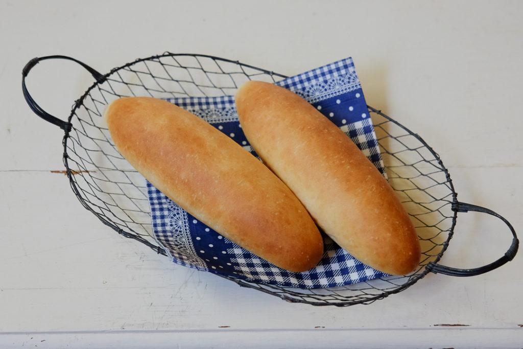 ホットドッグバンズ、またはコッペパン