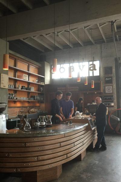 ポートランド旅行記*【Day3】 ③インダストリアルな雰囲気のおしゃれなカフェ《Coava Coffee Roasters》