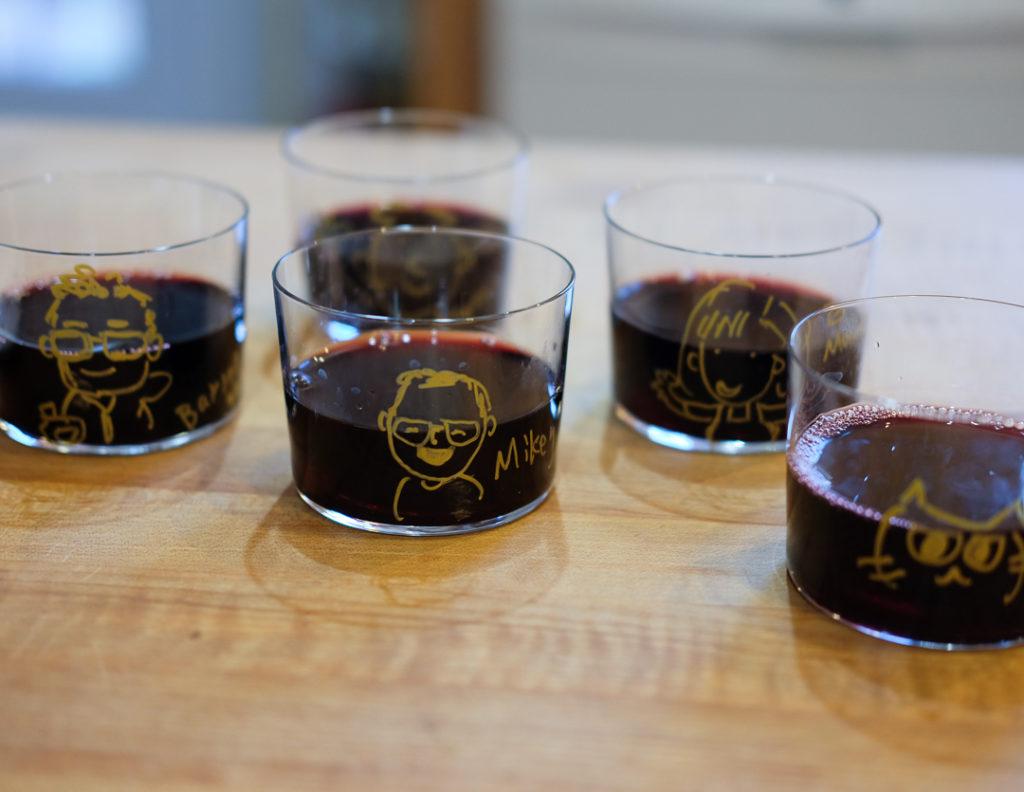 ワイングラスに似顔絵