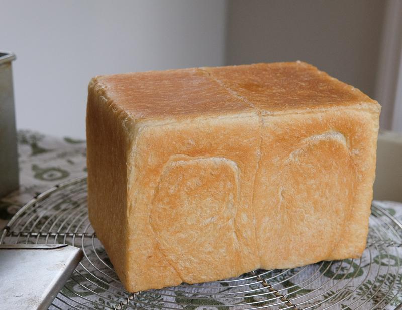 定番の食パン