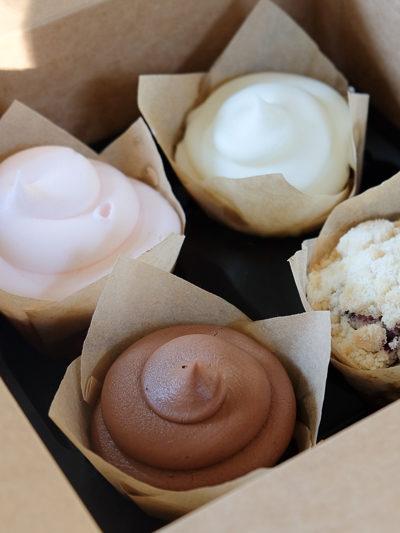アメリカのケーキもレベルアップしてる♪ SILOS BAKING CO. のカップケーキが、めっちゃおいしい。(^^)