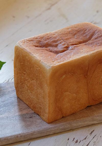 【パン】酒かす入りの食パン、と「山羊ヨガ」が楽しみなおはなし