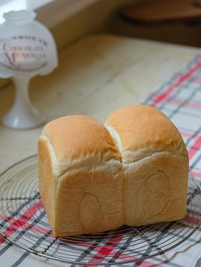 【レシピ】最近のマイブーム♥[アメリカで作りやすい]オールパーパスフラワー(中力粉)で焼く食パン。
