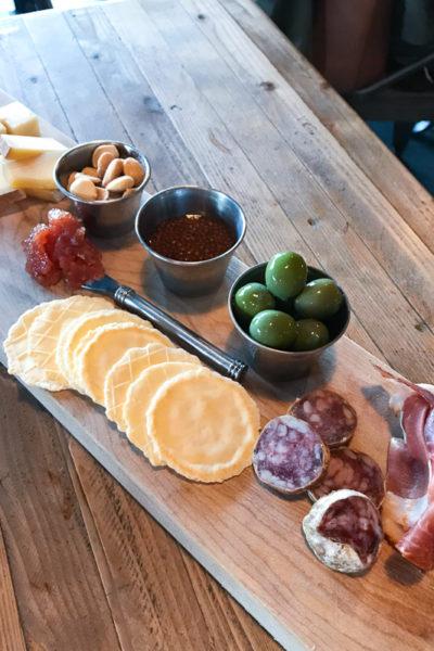 近所のカフェ兼ブルワリー、そして「チーズボードを素敵に作りたい」おはなし。