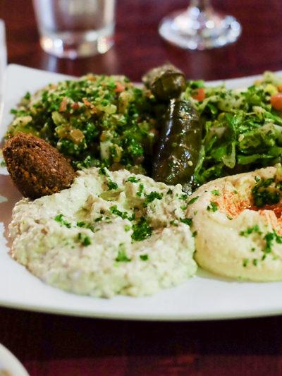 ワインは持ち込み♪ メディタレニアンフード(地中海料理)レストランでディナー。