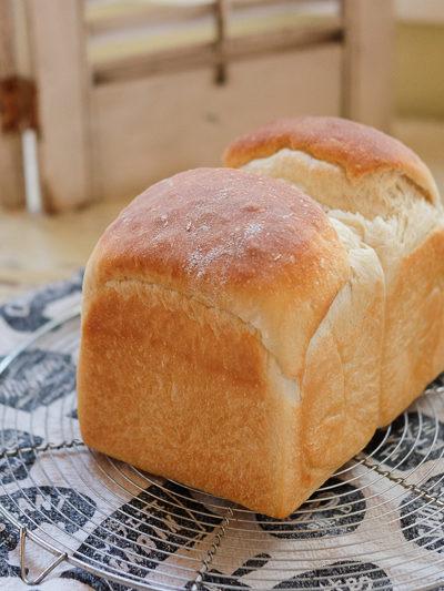 【レシピ】バター&たまご不使用★ふわふわしっとり、ヨーグルト入り食パン♪