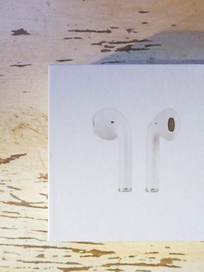 """次男の誕生日プレゼントは、AppleのAirPods """"風""""ワイヤレスイヤホンでした。"""