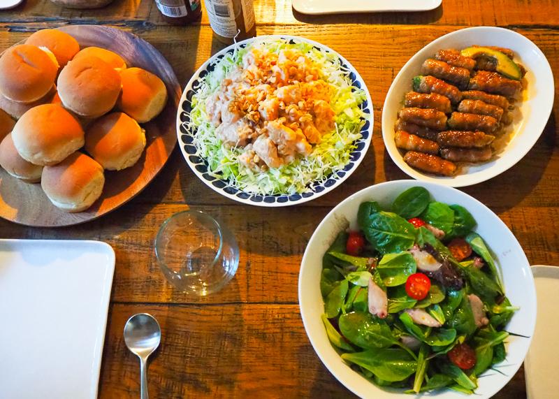 エビマヨ、アボカドの牛肉巻き、タコ入りサラダ