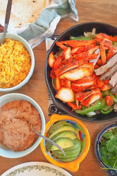 メキシコ料理の日。ビーフ&チキンの「ファヒータ」ディナー♪