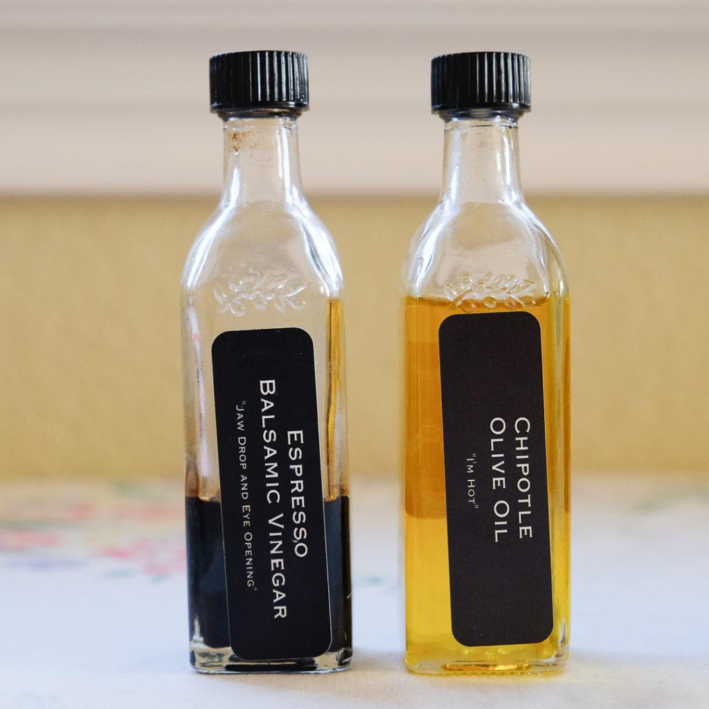 エスプレッソバルサミコ酢とチポトレオリーブオイル