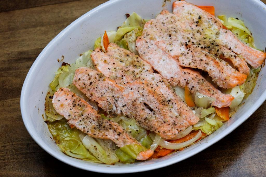 鮭とたっぷり野菜のホイル焼き
