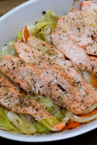 【レシピ】鮭とたっぷり野菜のホイル焼き・レモンペッパー&バター風味