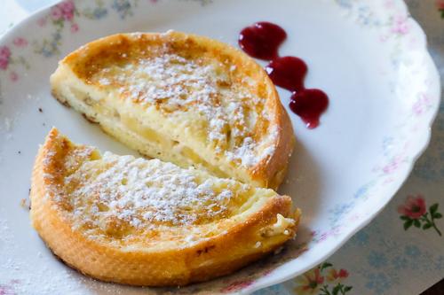 クリームチーズとバナナ入り・スタッフドフレンチトースト