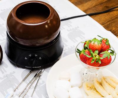 【レシピ】セミスイートチョコとホワイトチョコで作るチョコレートフォンデュ?なめらかさに秘密あり