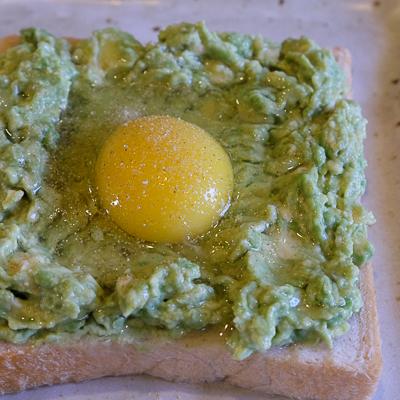 アボカドエッグトースト・手順5