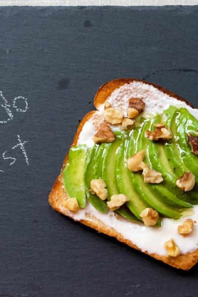 【レシピ】簡単、おいしい、ヘルシー♪ アボカド・ハニー・くるみのトースト