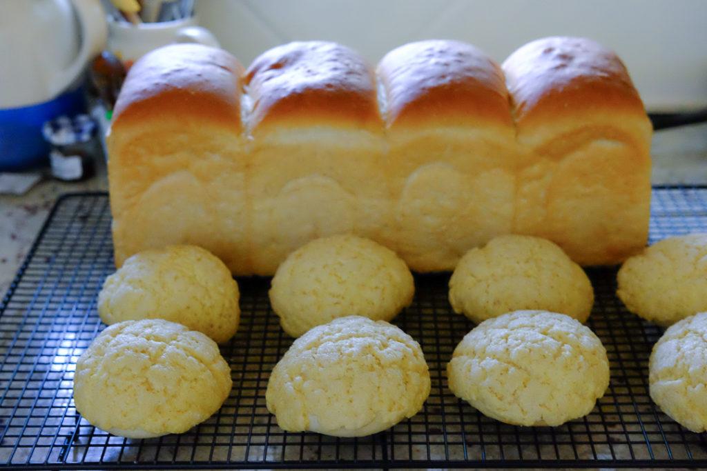 メロンパンと3斤の食パン