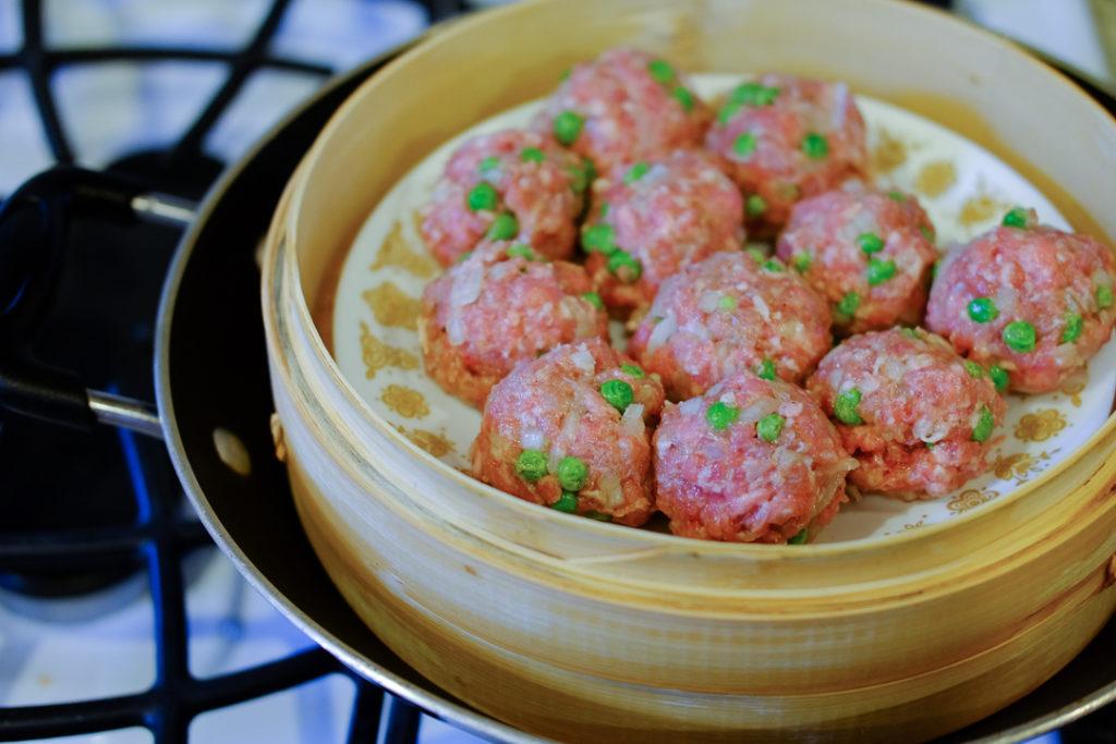 蒸し器で作る、ベトナム風肉団子