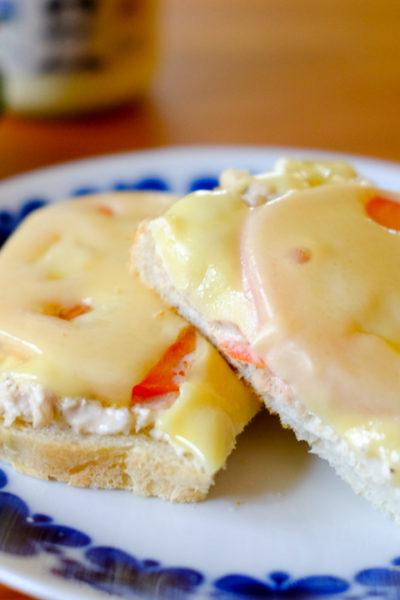 【レシピ】アメリカの定番ホットサンド★「ツナ・メルト」 – とろーりチーズとツナの組み合わせが最高♪