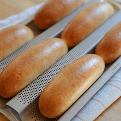 フランスパン用の天板を使って、きれいなコッペパンを焼く♪