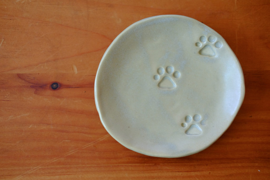 にくきゅう小皿