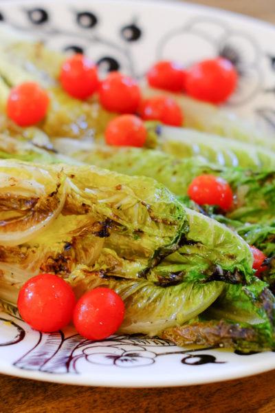 【レシピ】アメリカで人気です♪ 焼きロメインレタスのサラダ