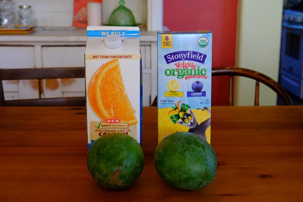 オレンジジュース、ヨーグルト、マンゴ