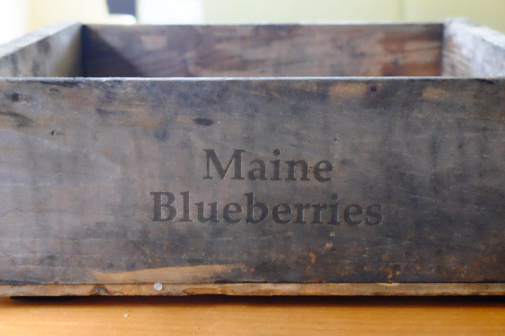 メイン州のブルーベリーファームで使われていた、木箱