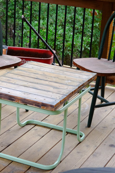 2016秋・アンティークショーでの出会い②デッキ用のテーブルと、イギリス製のアンティーク皿