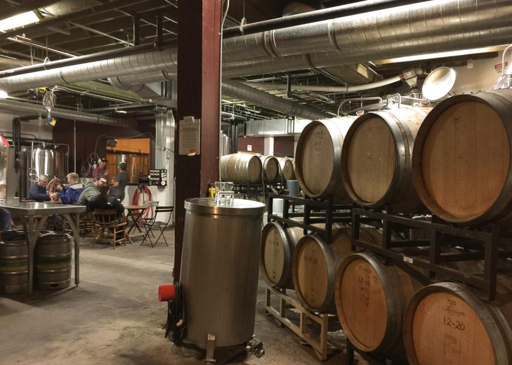 醸造所でビールを味わう♪