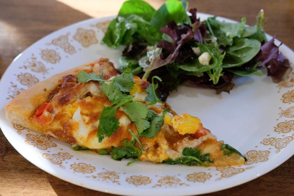 ピザとサラダの簡単ディナー