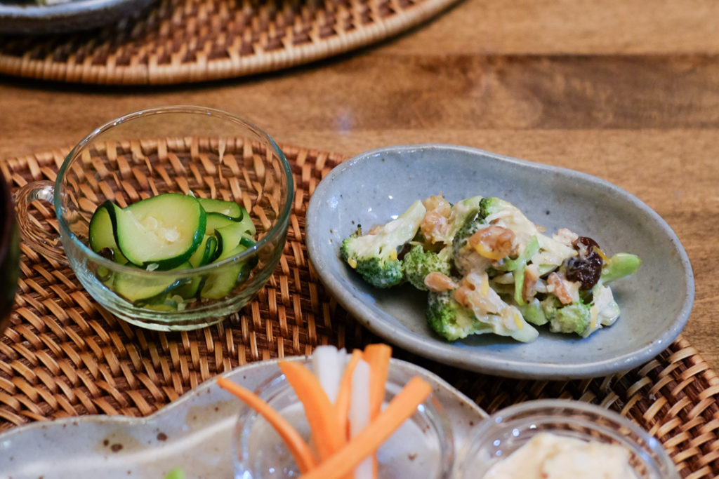 ズッキーニのナムルと、ブロッコリーサラダ