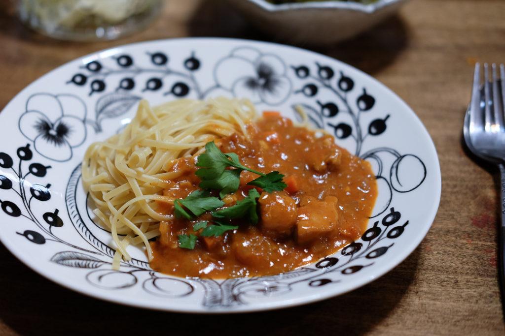 鶏のトマトシチュー&リングイネ