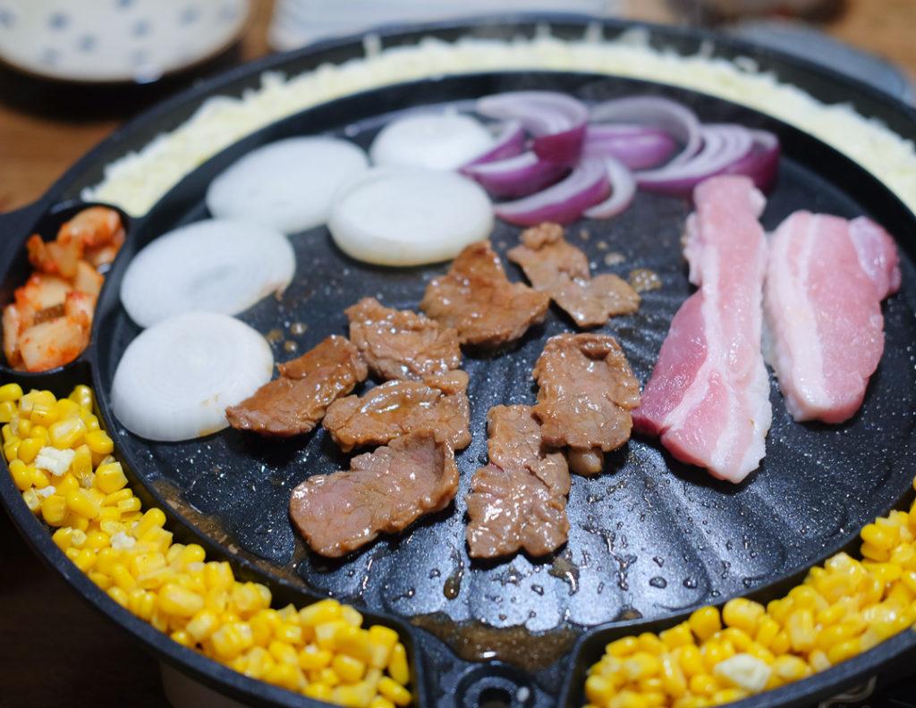 豚バラ肉と、ハラミ肉