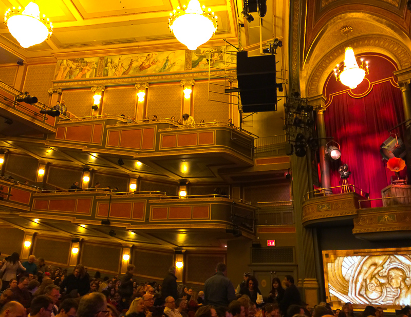 オペラハウスのようなリリックシアター
