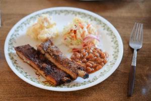 メモリアルデーのディナー★オーブンで6時間かけてじっくりと焼く「バーベキューリブ」