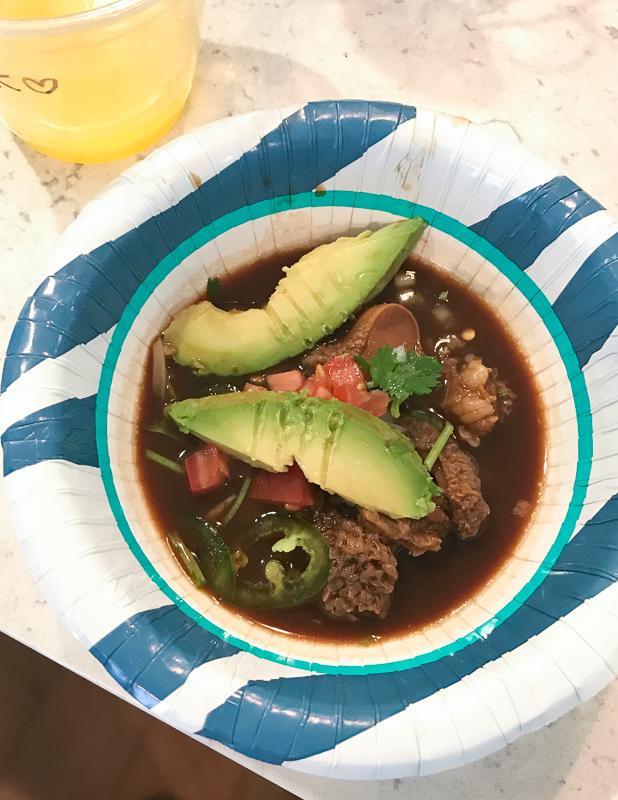 メキシコのモツ入りスープ