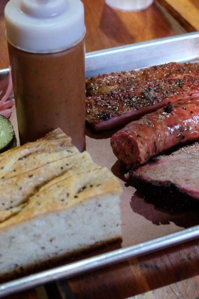 スタイリッシュな、テキサスBBQレストラン「Freedmen's」