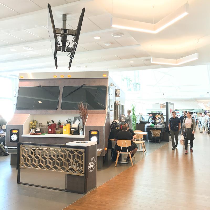 モントリオール空港