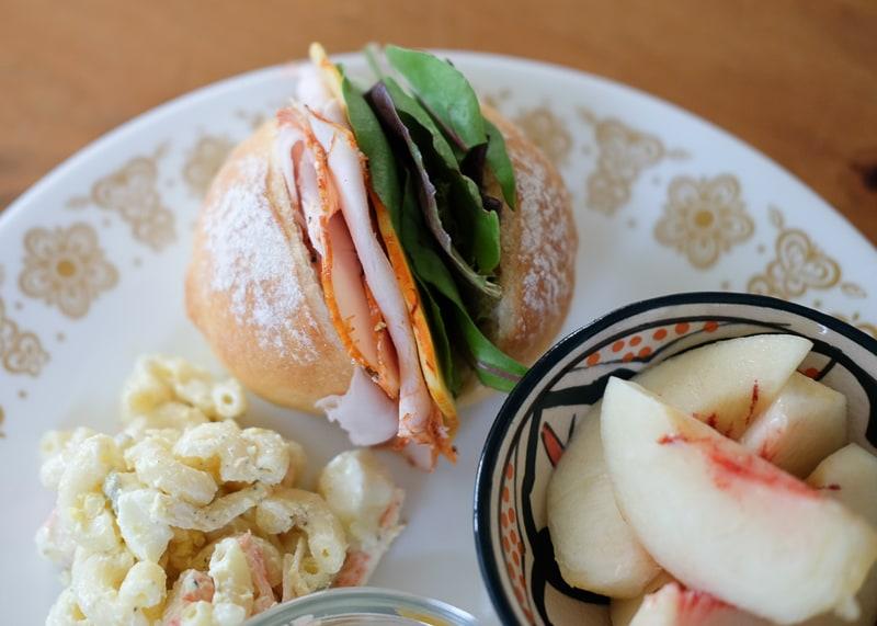 焼きたてパンで、サンドイッチ