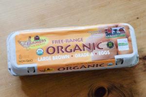 底値のオーガニックたまごは、Natural Grocersで。