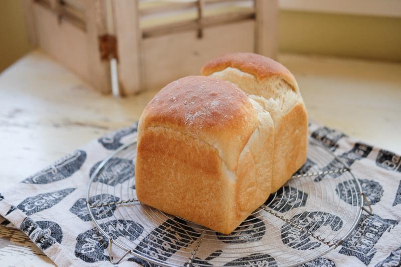 ヨーグルトがたっぷり入った食パン